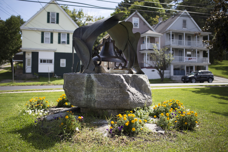 Photograph of Bell Monument - AO-00084-007.jpg