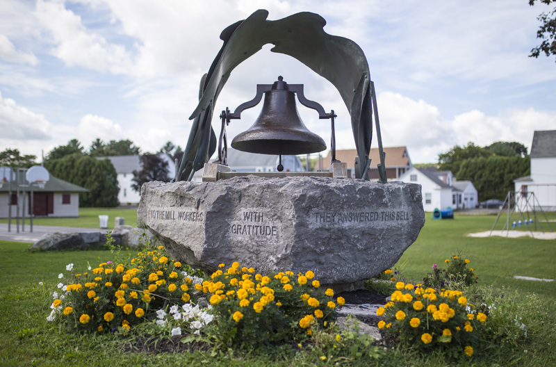 Photograph of Bell Monument - AO-00084-022.jpg
