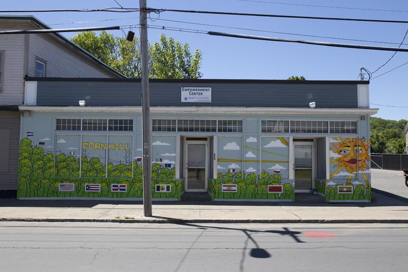 Photograph of Empowerment Center Mural - AO-00126-003.jpg
