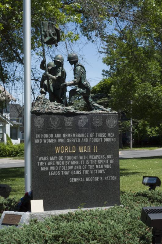 Photograph of World War I/World War II/Korean War Monument - AO-00130-005.jpg