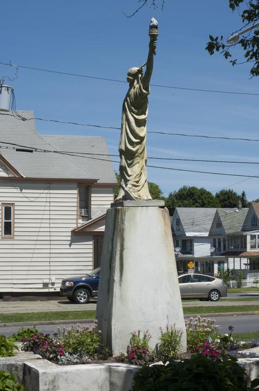 Photograph of Statue of Liberty Replica - AO-00135-008.jpg