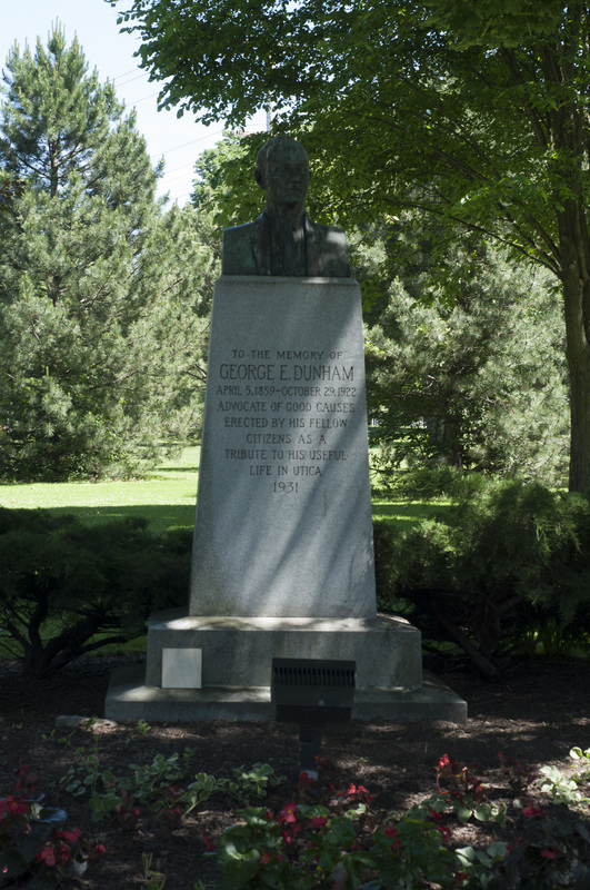 Photograph of George E. Dunham Memorial Statue - AO-00131-001.jpg