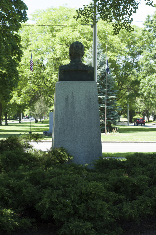 Photograph of George E. Dunham Memorial Statue - AO-00131-006.jpg