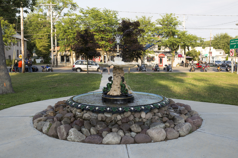 Photograph of Sylvan Beach Fountain - AO-00140-004.jpg