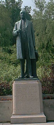 Photograph of Thomas R. Proctor Monument - trproctor.jpg